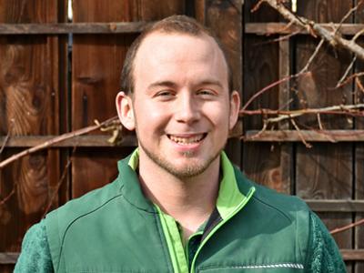 Marcel Winkler, Landschaftsgärtner EFZ und Vorarbeiter bei Rogger Naturgärten